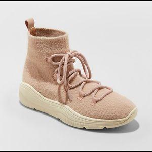 Universal thread Kamari sneaker boots